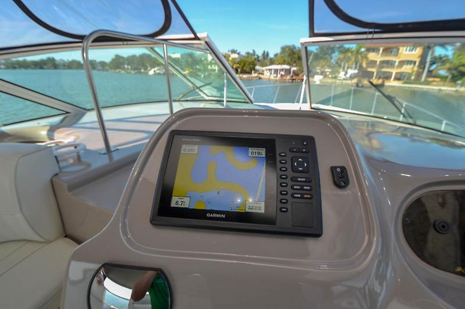 2003 Cruisers Yachts 3772 Express-38.jpg