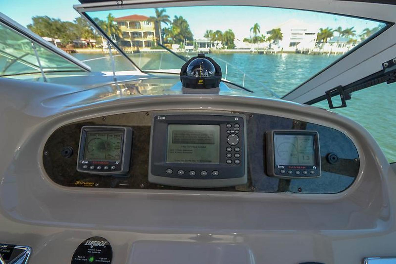 2003 Cruisers Yachts 3772 Express-39.jpg