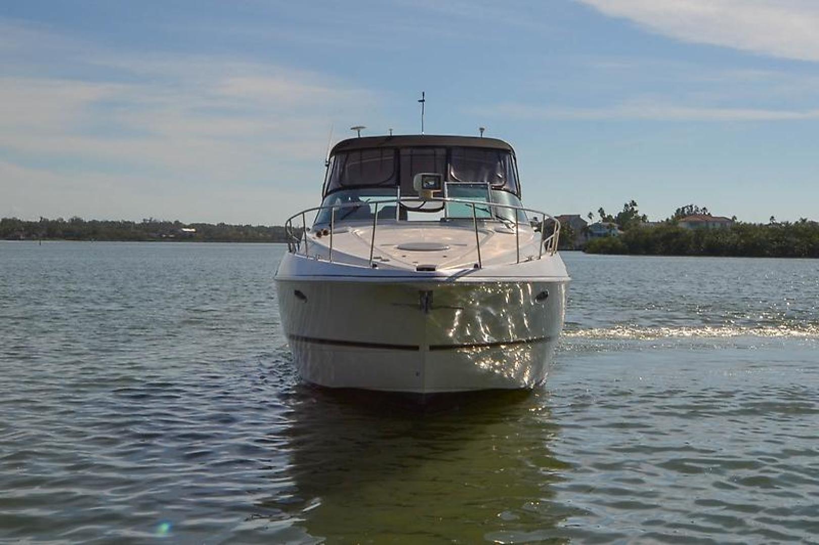 2003 Cruisers Yachts 3772 Express-15.jpg