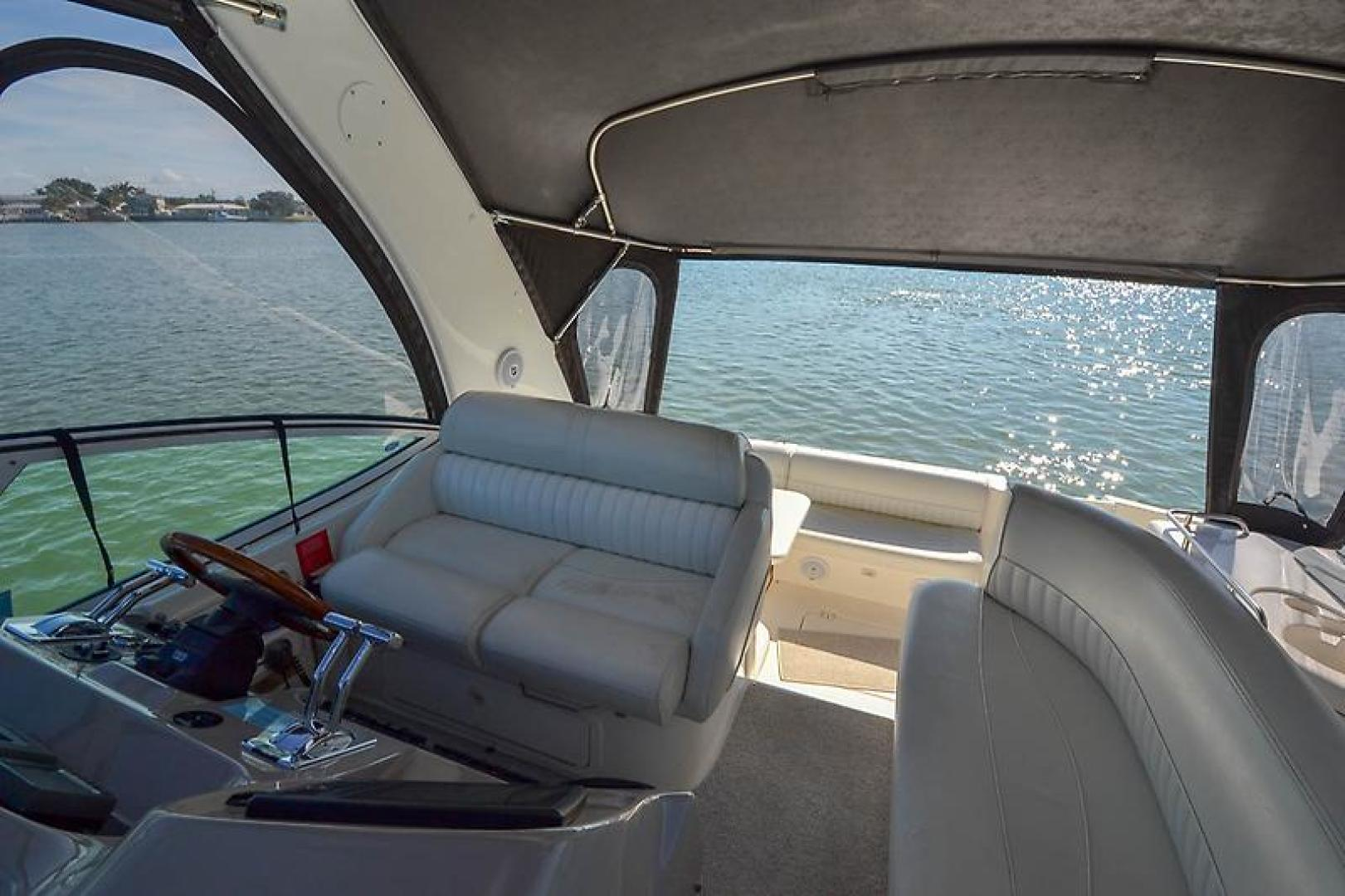 2003 Cruisers Yachts 3772 Express-43.jpg