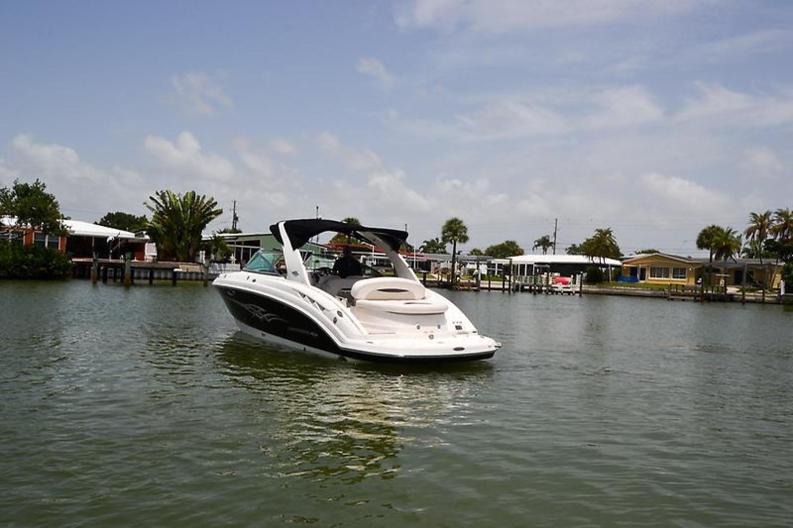 2009 Chaparral 276 SSX-9.jpg