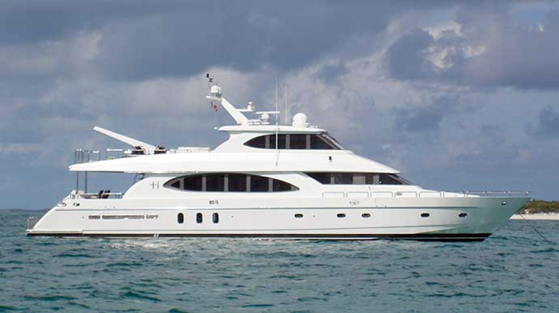 Picture Of: 94' Hargrave Capri Skylounge 2003 Yacht For Sale | 1 of 26