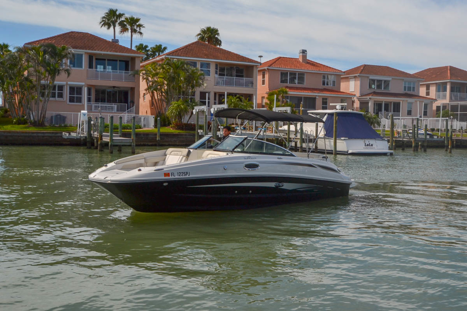 2012 Sea Ray 260 SunDeck-28.jpg