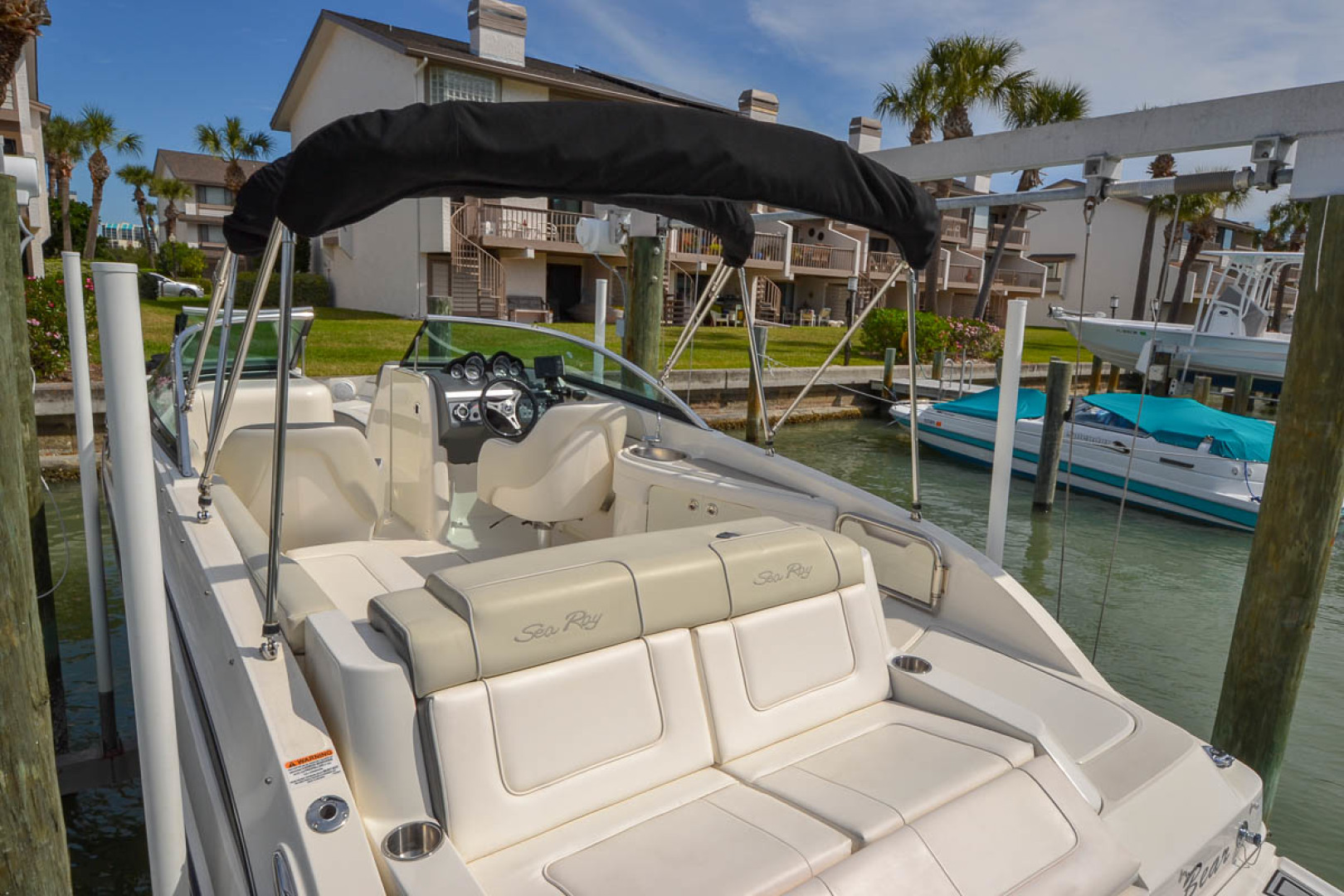 2012 Sea Ray 260 SunDeck-10.jpg