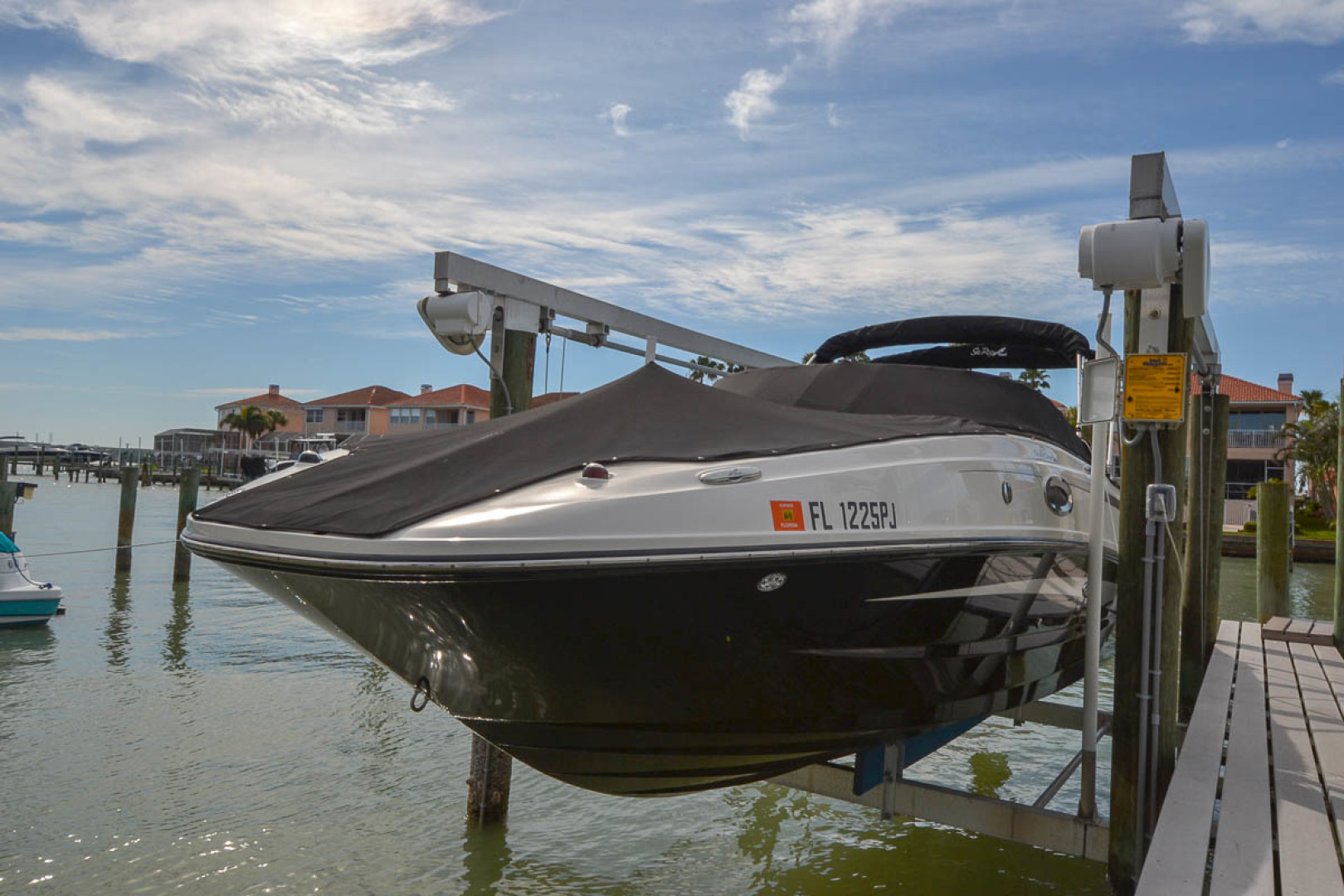 2012 Sea Ray 260 SunDeck-2.jpg