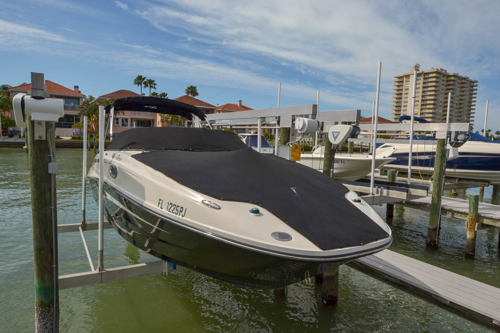 2012 Sea Ray 260 SunDeck-1.jpg