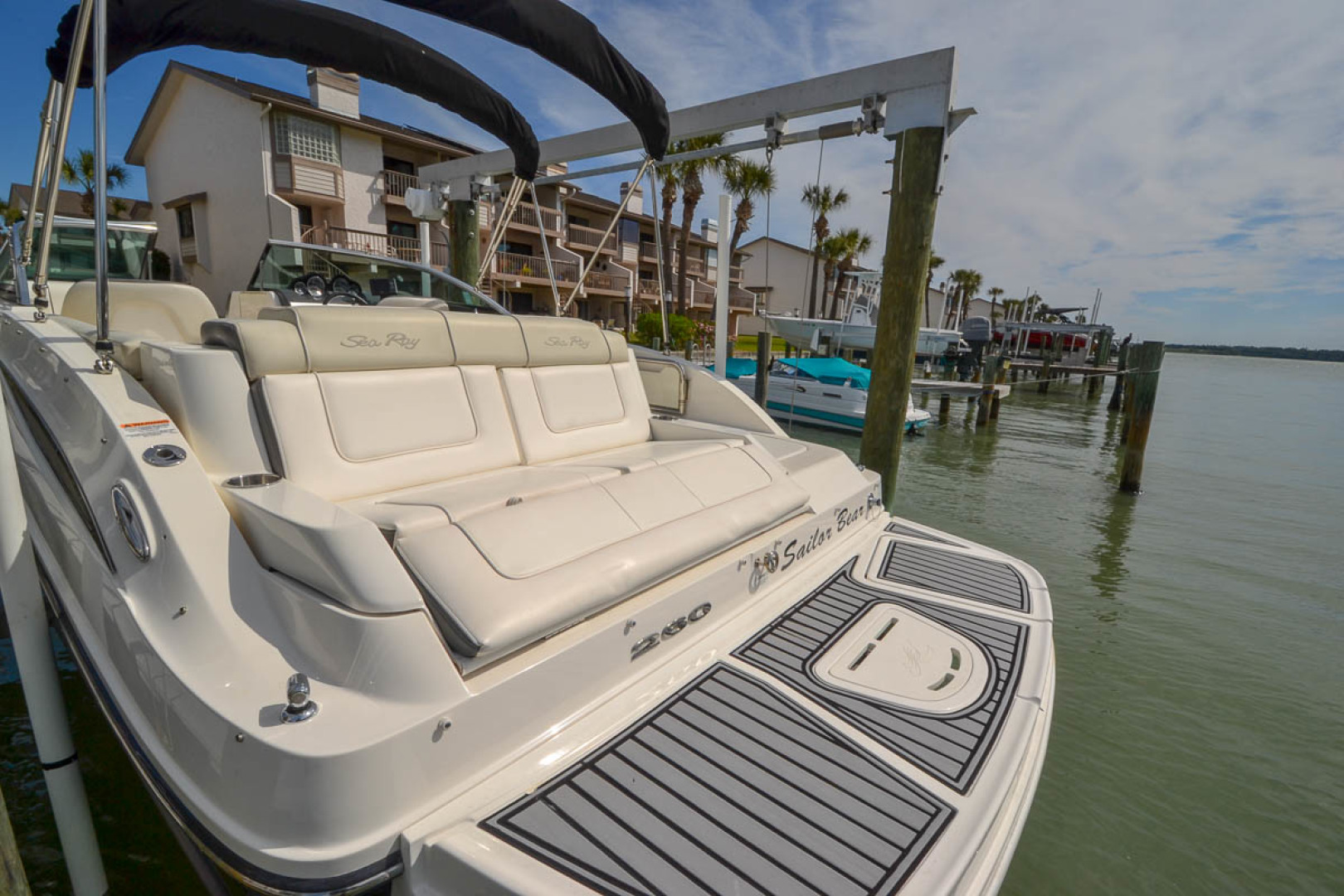 2012 Sea Ray 260 SunDeck-9.jpg