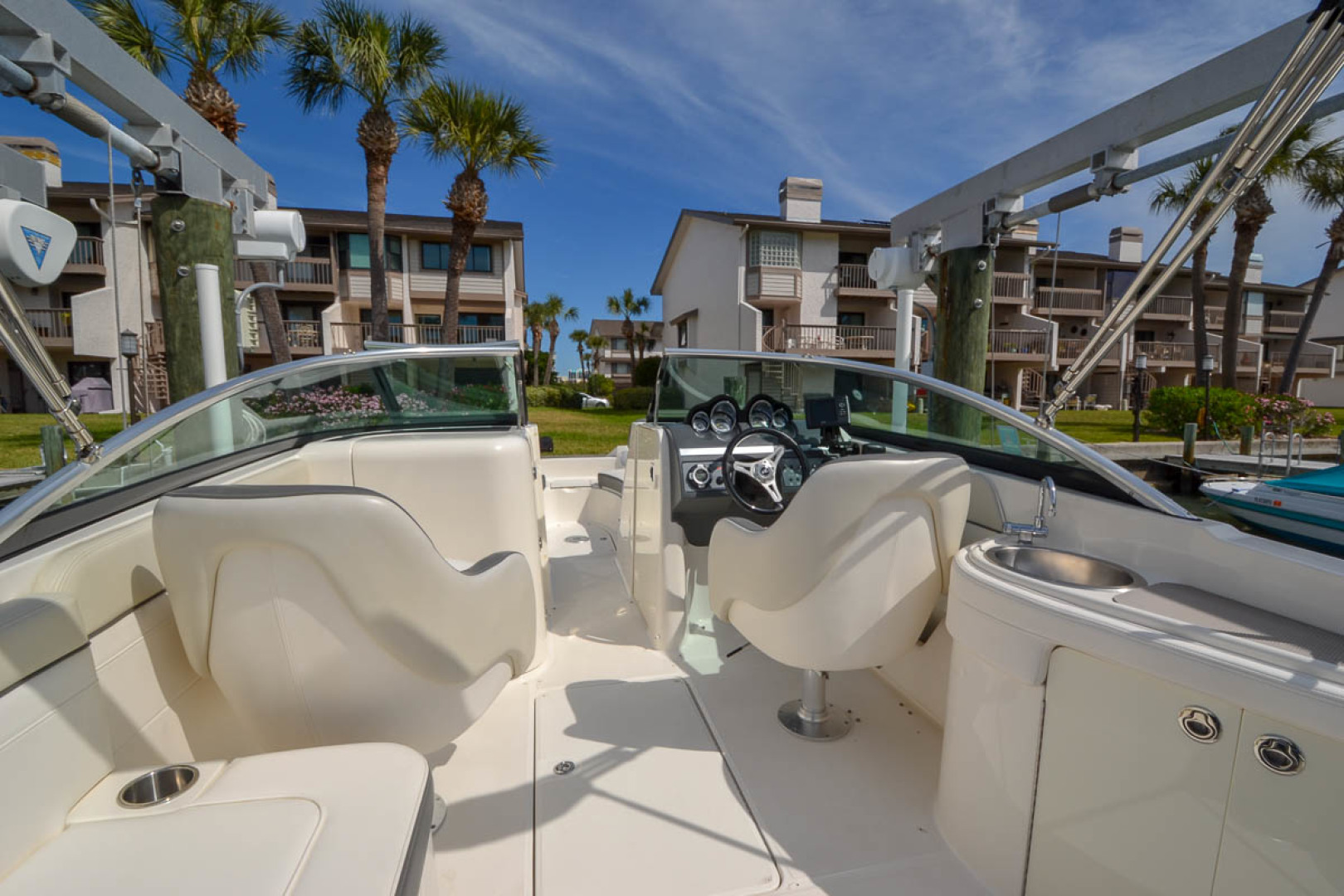2012 Sea Ray 260 SunDeck-8.jpg