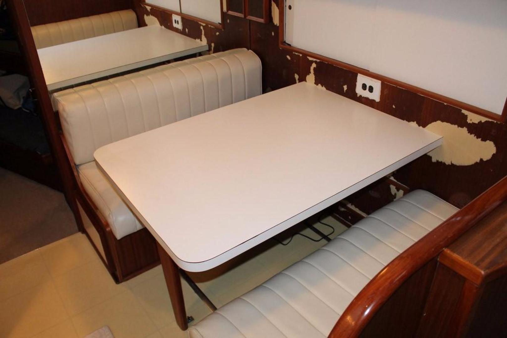 Hatteras-Motoryacht-1984-Proud-Mary-Annapolis-Maryland-United-States-Dinette-920791