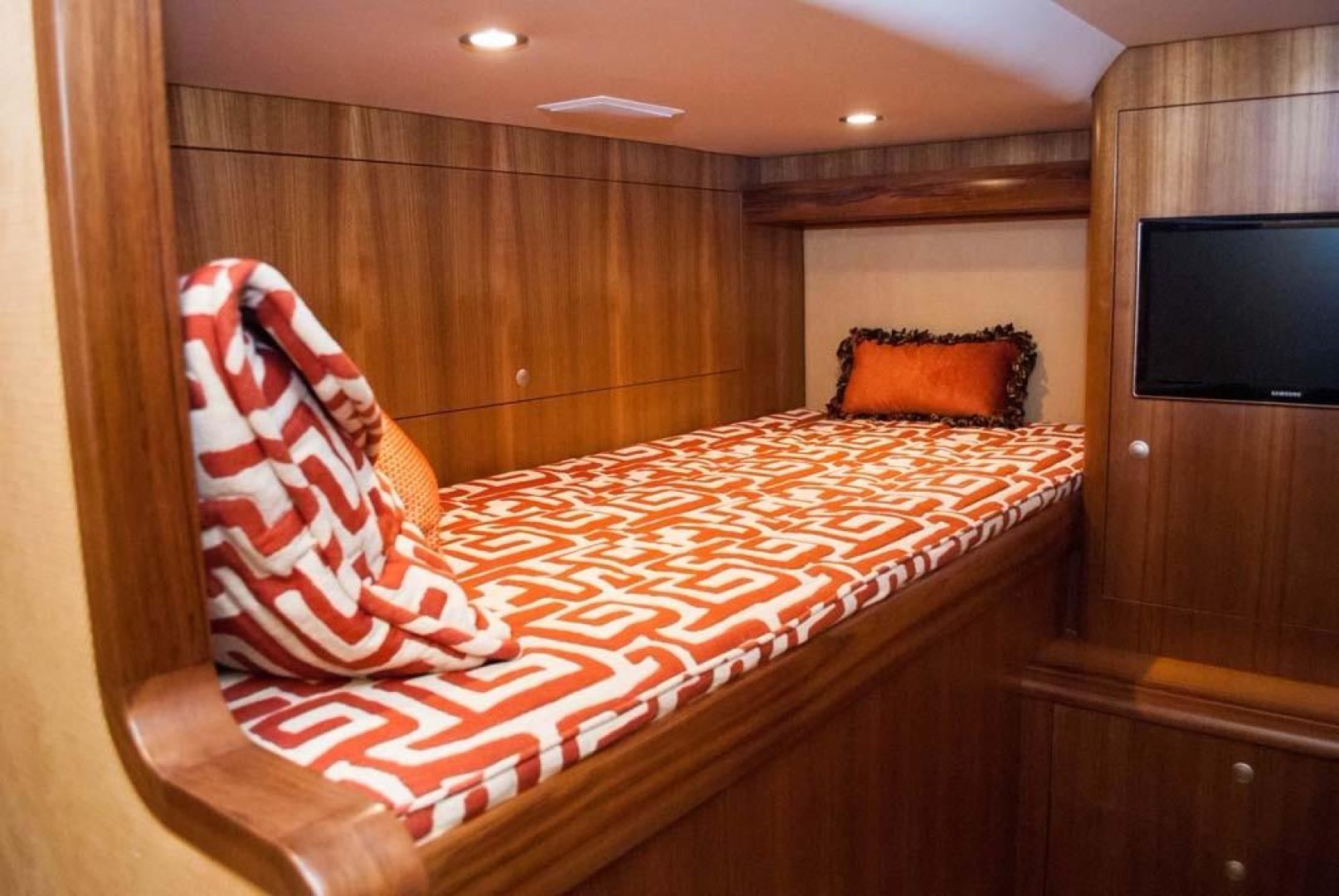 F&S-Convertible-2013-Triple-F-Coral-Gables-Florida-United-States-Guest-Stateroom-1016949