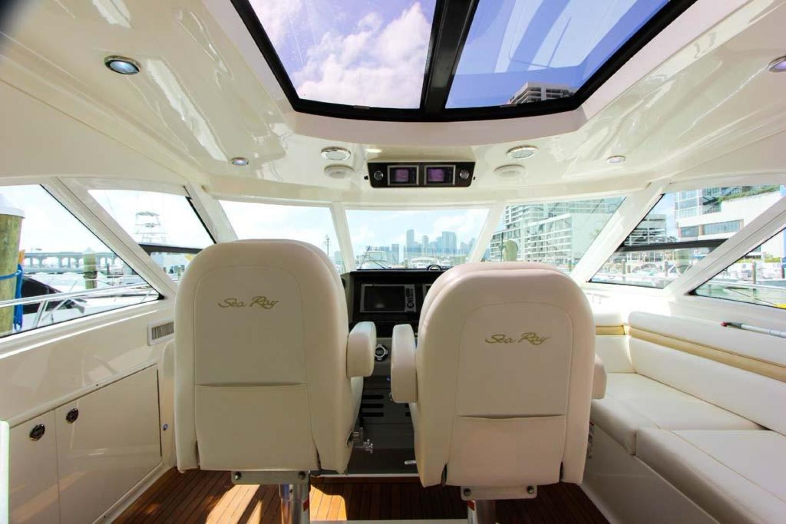 Sea Ray-540 Sundancer 2011-XS Miami-Florida-United States-Helm Area-918509 | Thumbnail