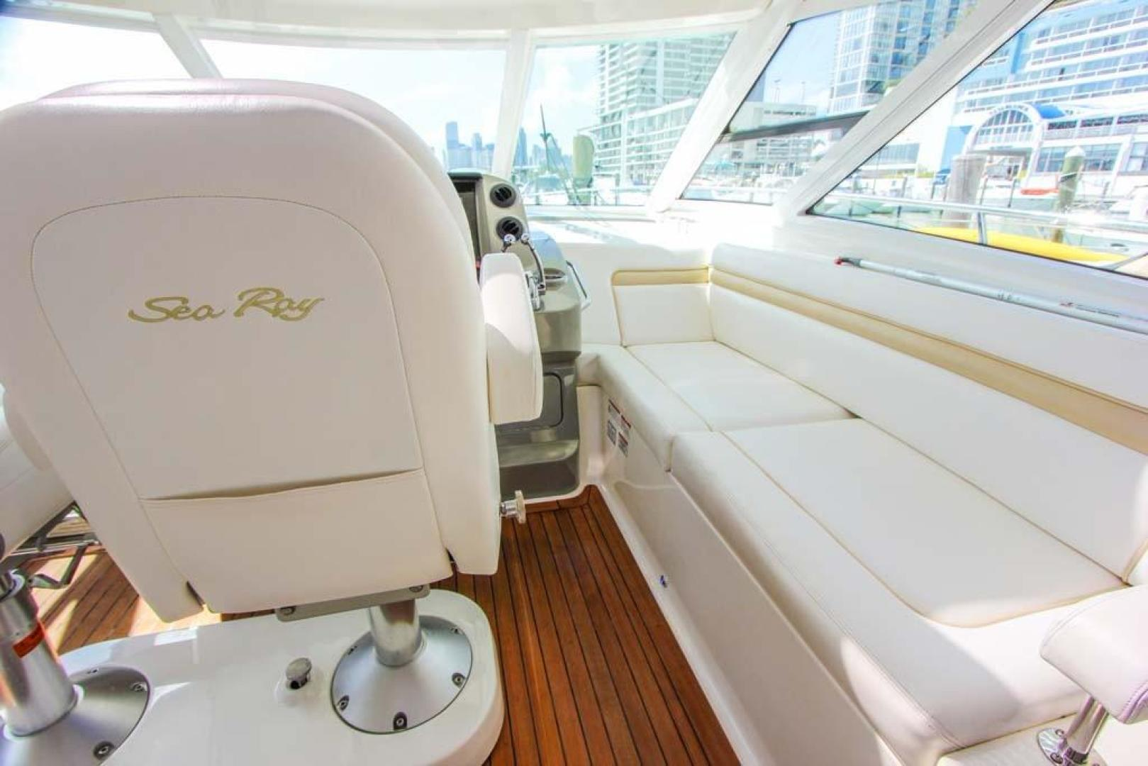 Sea Ray-540 Sundancer 2011-XS Miami-Florida-United States-Helm Area Seating-918513 | Thumbnail