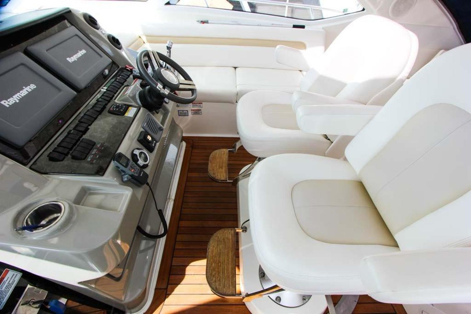 Sea Ray-540 Sundancer 2011-XS Miami-Florida-United States-Helm Seats-918512 | Thumbnail