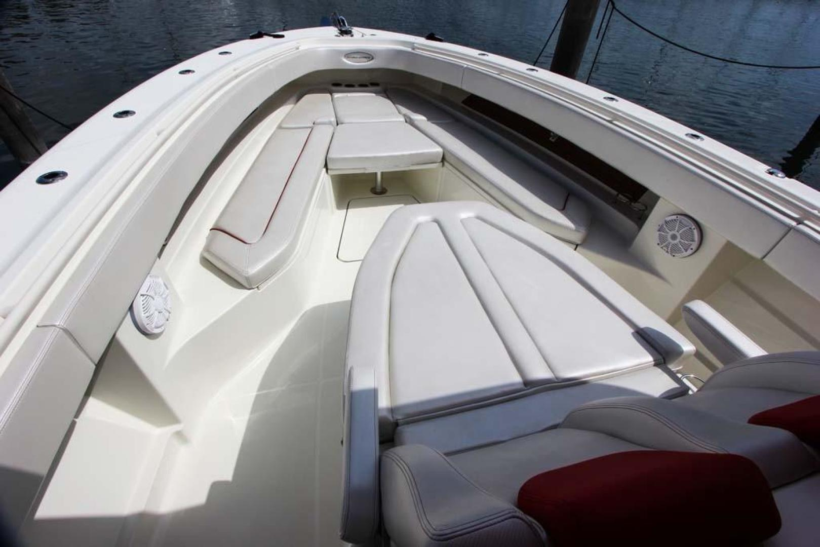 Hydra-Sports-Center Console 2015-Flash Coconut Grove-Florida-United States-Foredeck-368849 | Thumbnail