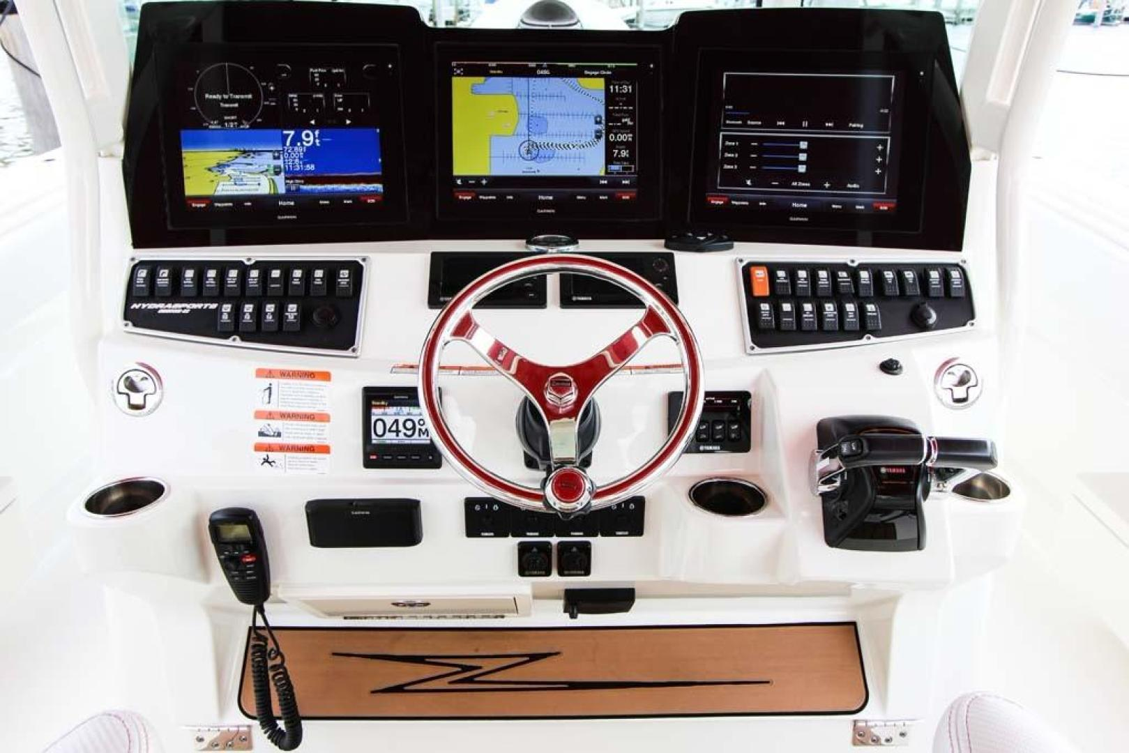 Hydra-Sports-Center Console 2015-Flash Coconut Grove-Florida-United States-Helm-368857 | Thumbnail