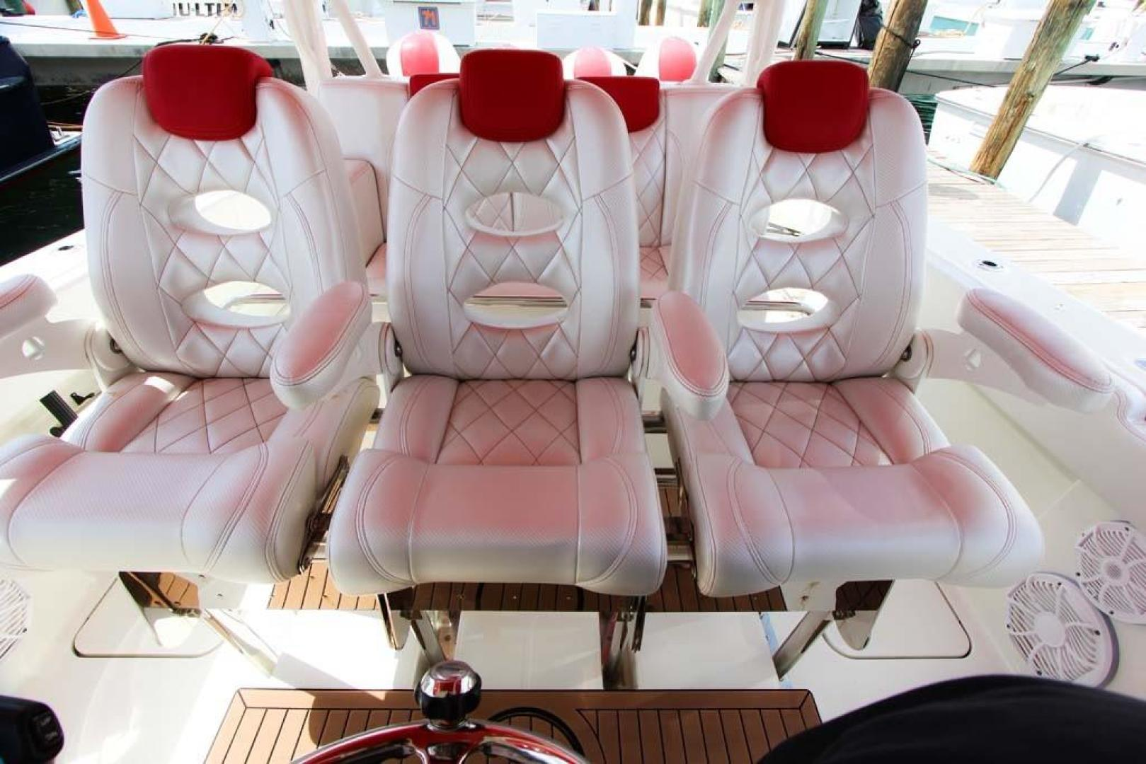 Hydra-Sports-Center Console 2015-Flash Coconut Grove-Florida-United States-Helm Seats-368855 | Thumbnail