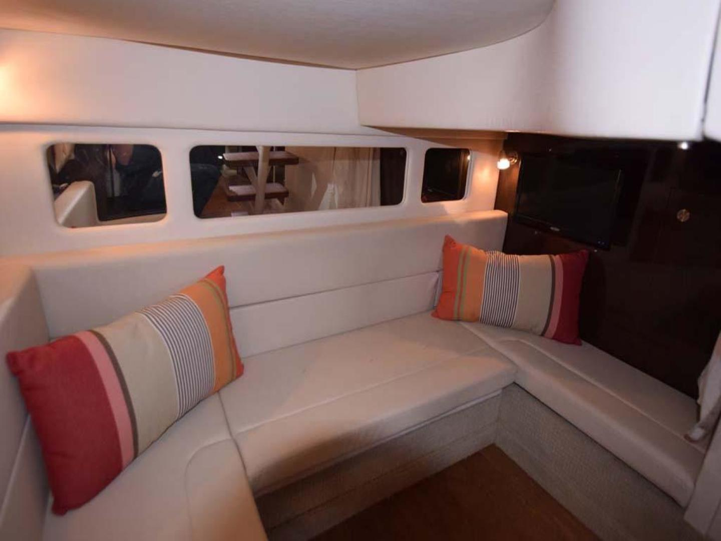 Sea Ray-Sundancer 2015-Webfoot Miami-Florida-United States-Salon Settee-369626 | Thumbnail