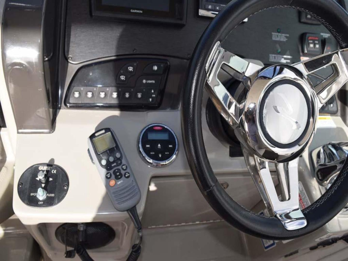 Sea Ray-Sundancer 2015-Webfoot Miami-Florida-United States-Helm Electronics-369617 | Thumbnail