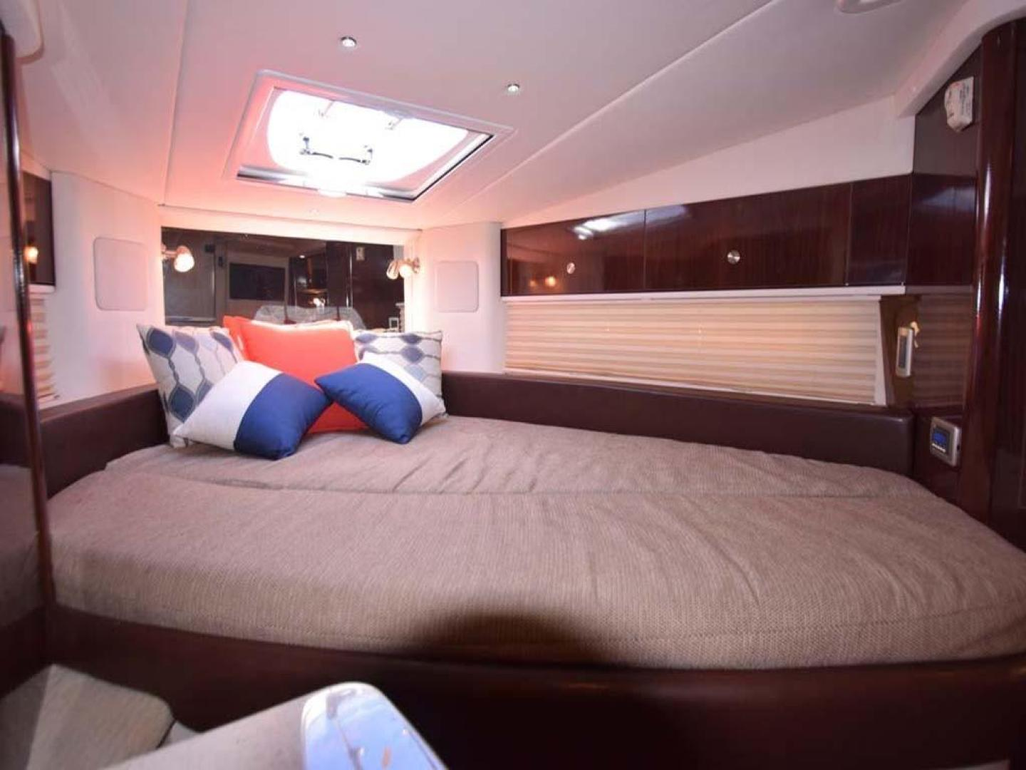 Sea Ray-Sundancer 2015-Webfoot Miami-Florida-United States-Master Stateroom-369630 | Thumbnail