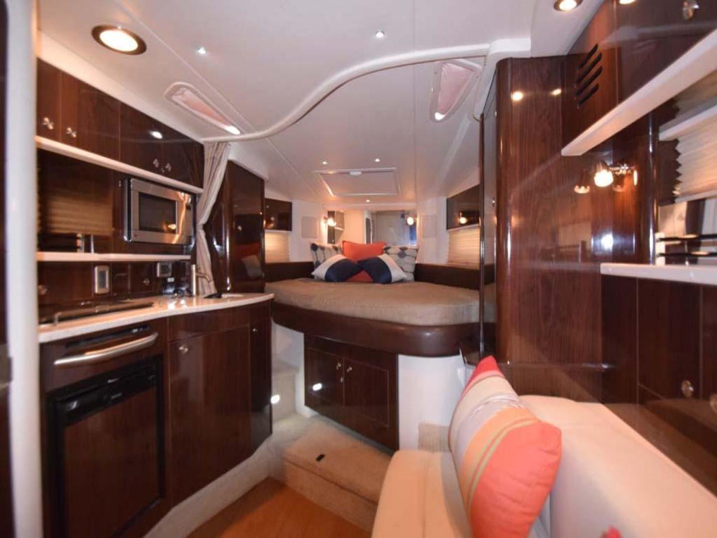Sea Ray-Sundancer 2015-Webfoot Miami-Florida-United States-Salon and Galley-369627 | Thumbnail