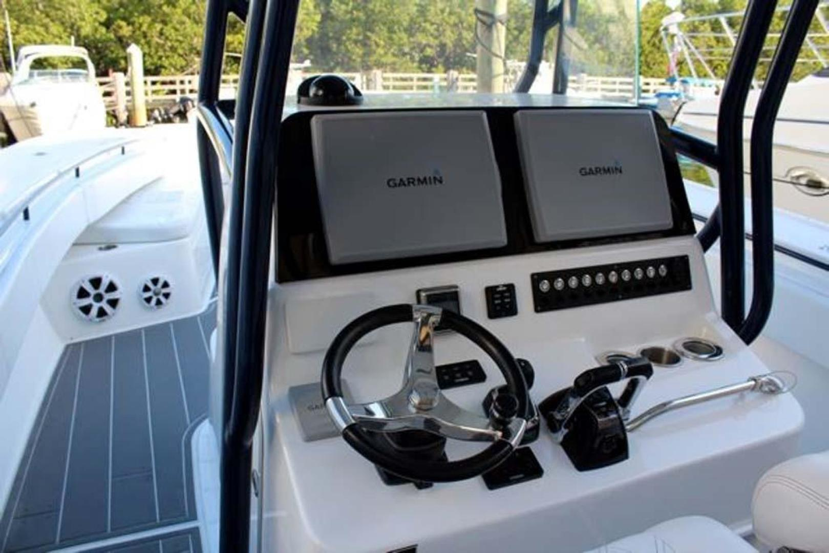 Cape Horn-36 Center Console 2016-All In Boynton Beach-Florida-United States-Helm Electronics-923969 | Thumbnail