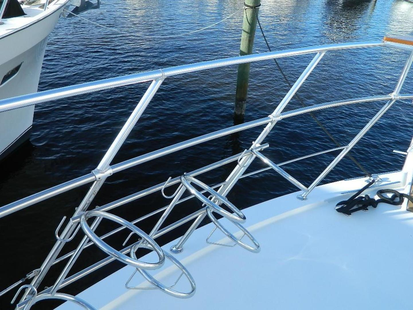 Hatteras-Sport Deck 1998-Capital Gains Stuart-Florida-United States-Fender Holders-371148 | Thumbnail