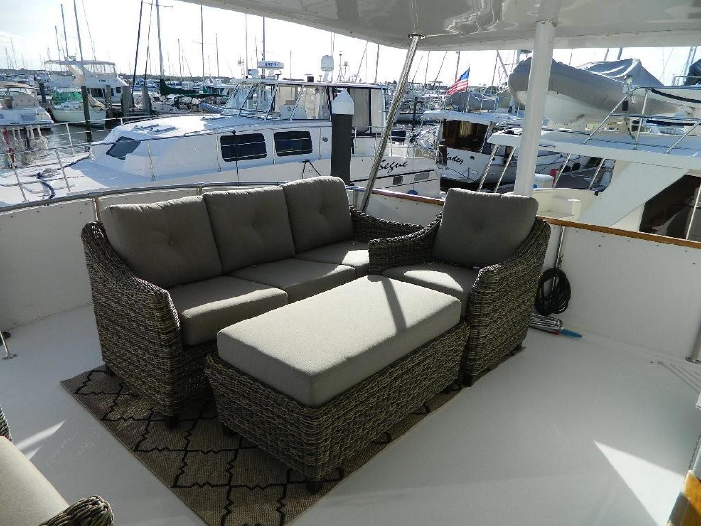 Hatteras-Sport Deck 1998-Capital Gains Stuart-Florida-United States-Aft Deck Seating-371155 | Thumbnail