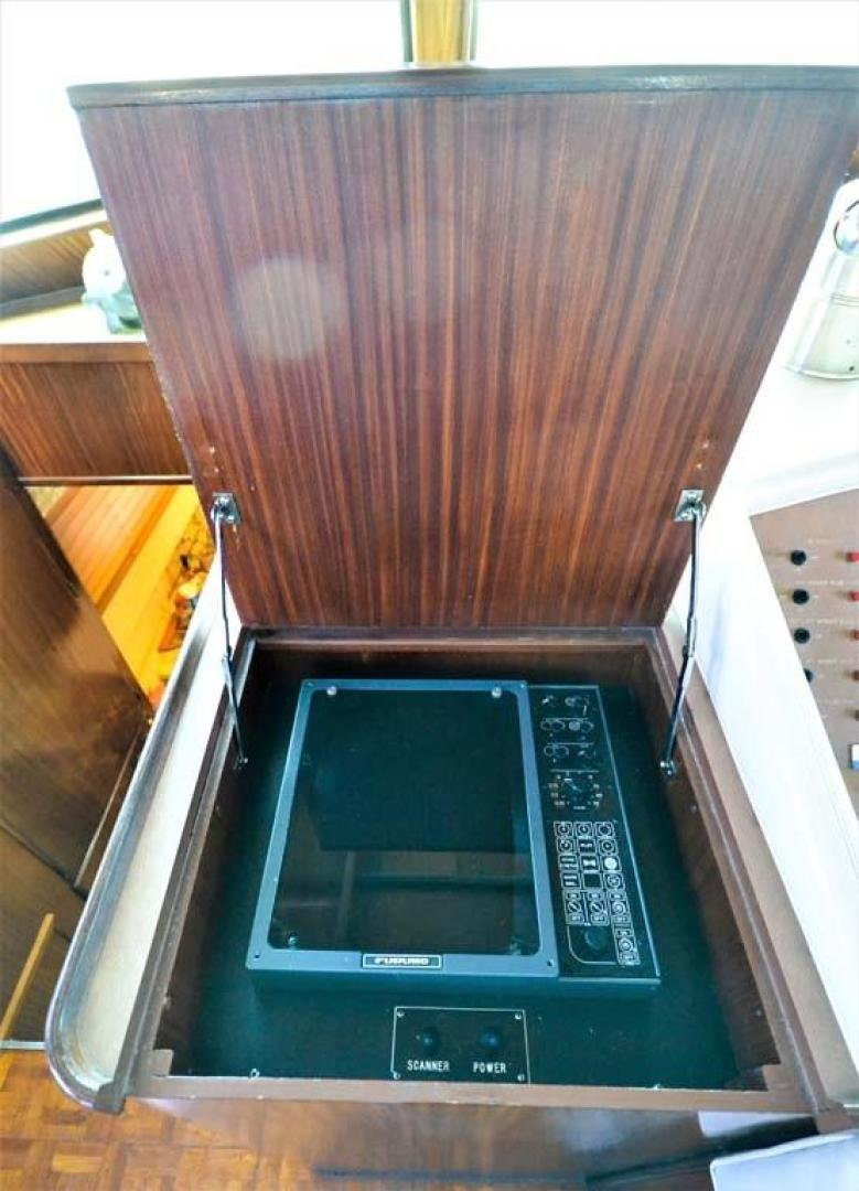 Hatteras-Motor Yacht 1987-I One Jacksonville-Florida-United States-Radar Compartment-920145 | Thumbnail
