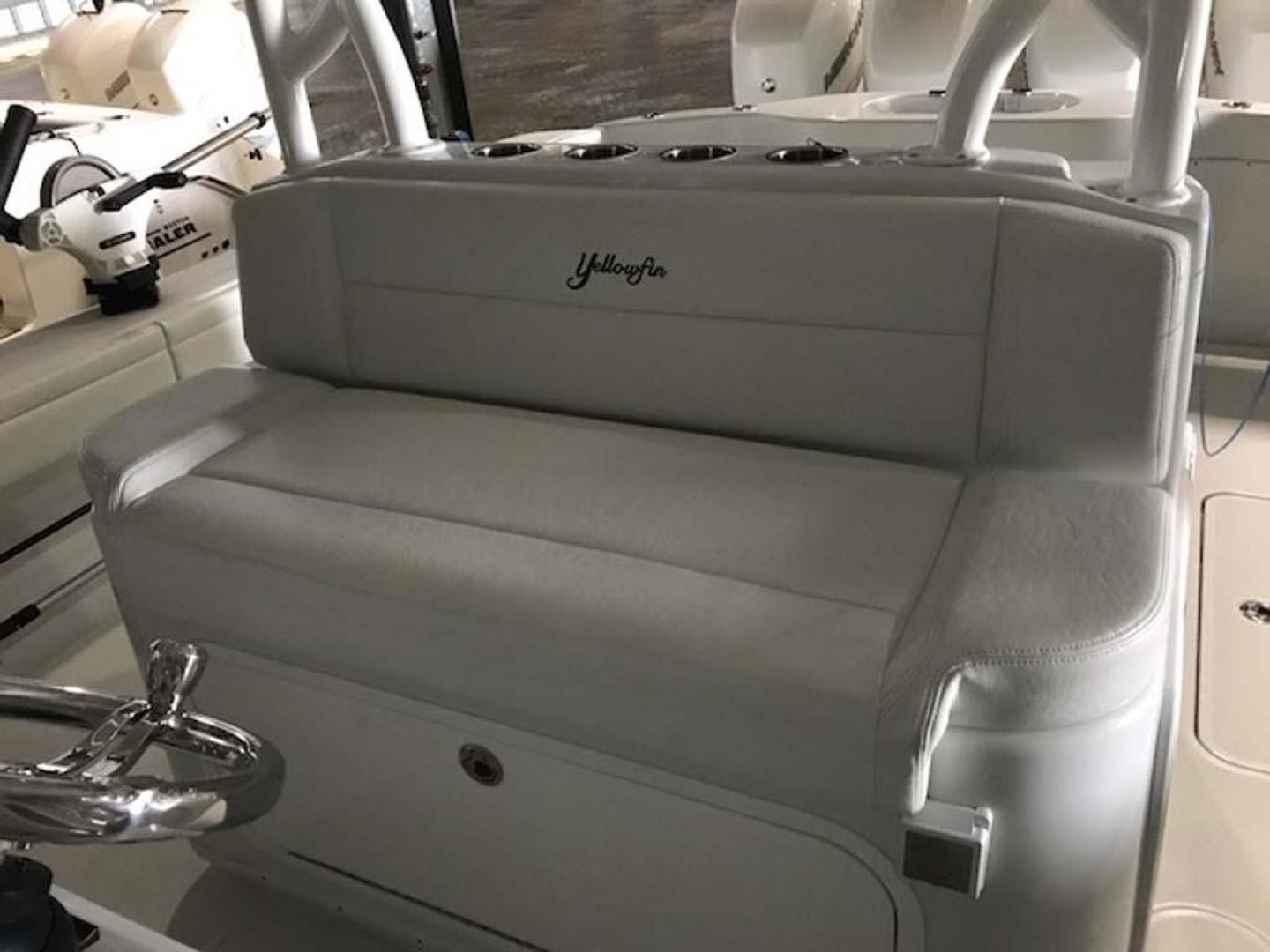 Yellowfin-39-2016--Jacksonville-United-States-Helm-Seating-924590