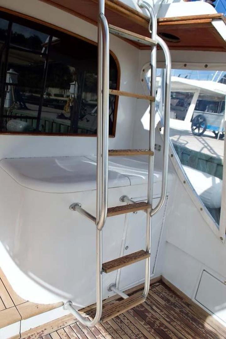 Buddy Davis-51 Custom Carolina Sportfish 1988-Ocean Pearl St. Peter-Barbados-Ladder to Flybridge-929916   Thumbnail