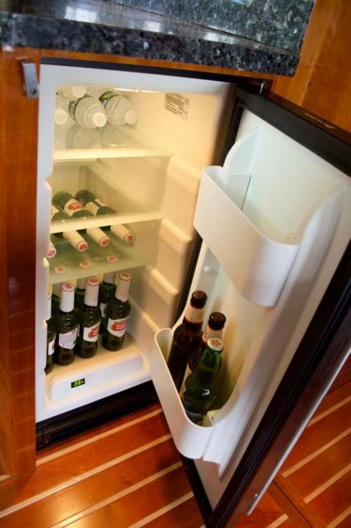 Regal-52 Sport Coupe 2008-Sea Ya Windever Long Island-New York-United States-Beer Refrigerator-930155 | Thumbnail