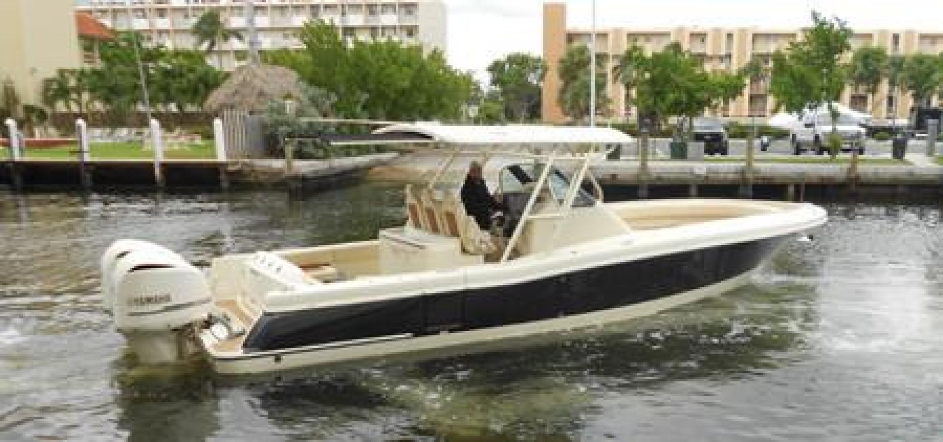 Picture Of: 34' Chris-Craft Catalina 2016 Yacht For Sale | 1 of 24