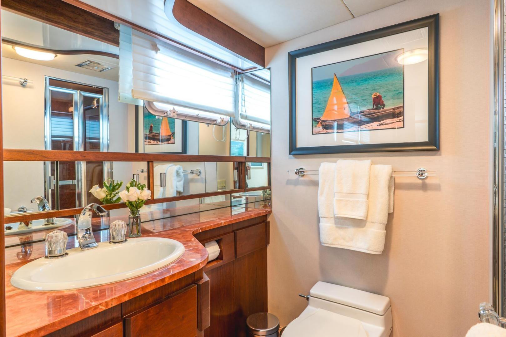 Burger-Raised Pilot House 1987-Adventurer Cape Coral-Florida-United States-Starboard Guest Head (Identical to Port Guest Head)-348055   Thumbnail
