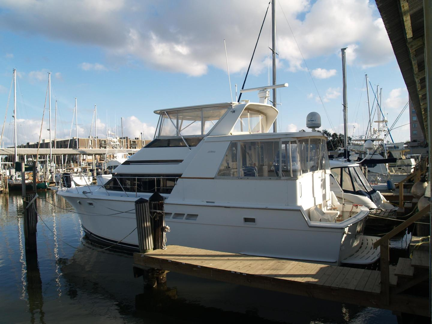 Picture Of: 48' Hatteras 48 Cockpit Motoryacht 1996 Yacht For Sale | 2 of 27