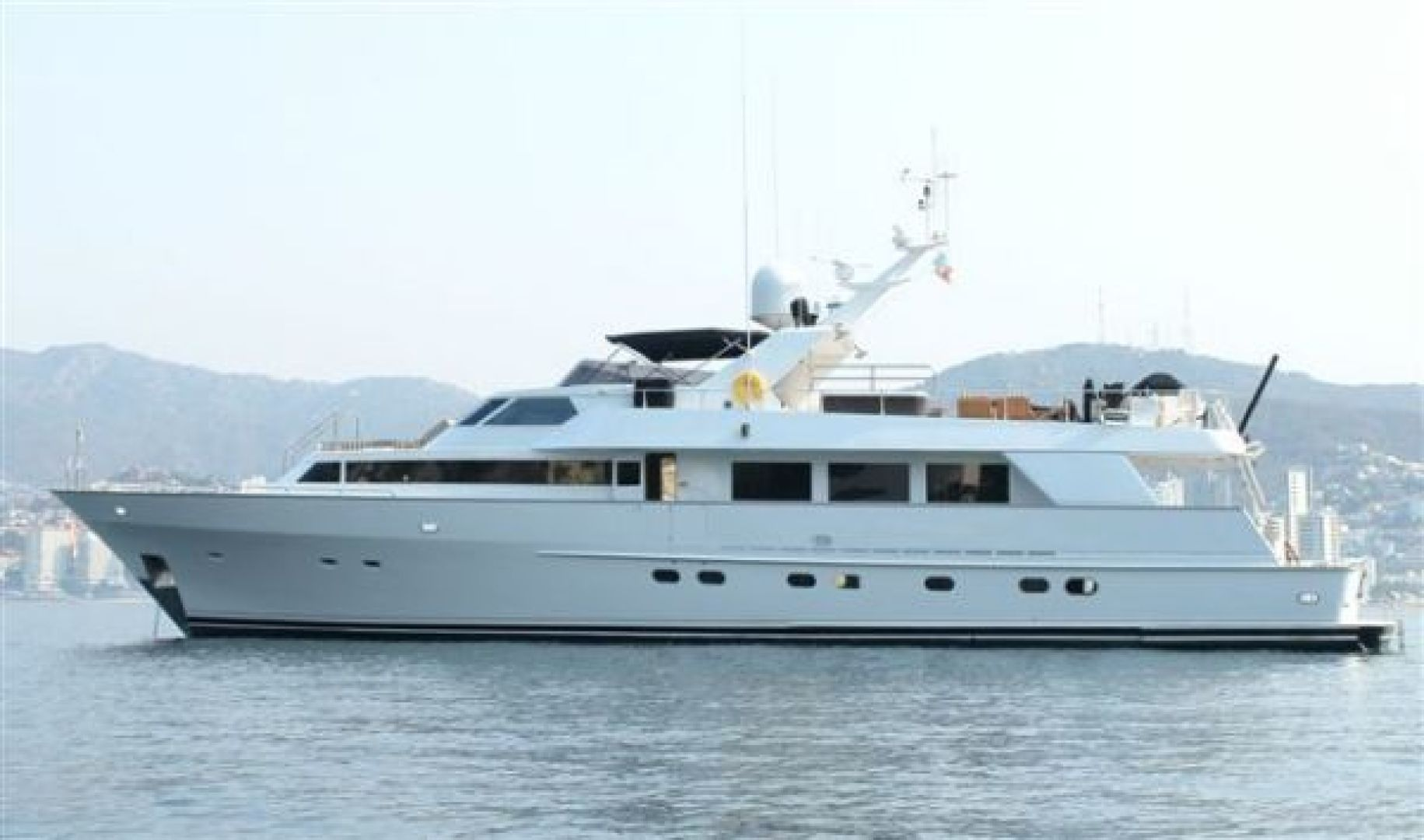 Picture Of: 98' Poole Boat Company Raised Pilothouse with Cockpit 1986 Yacht For Sale | 1 of 26