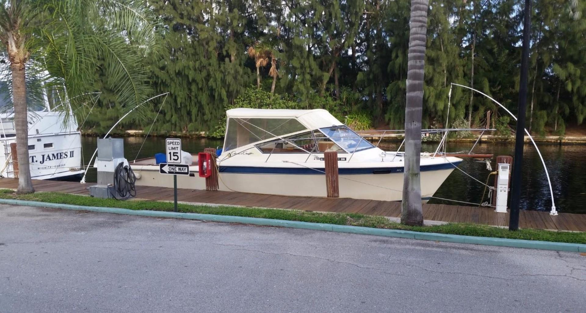 "1984 Chris-Craft 30' 316 Commander ""Little Boat"""