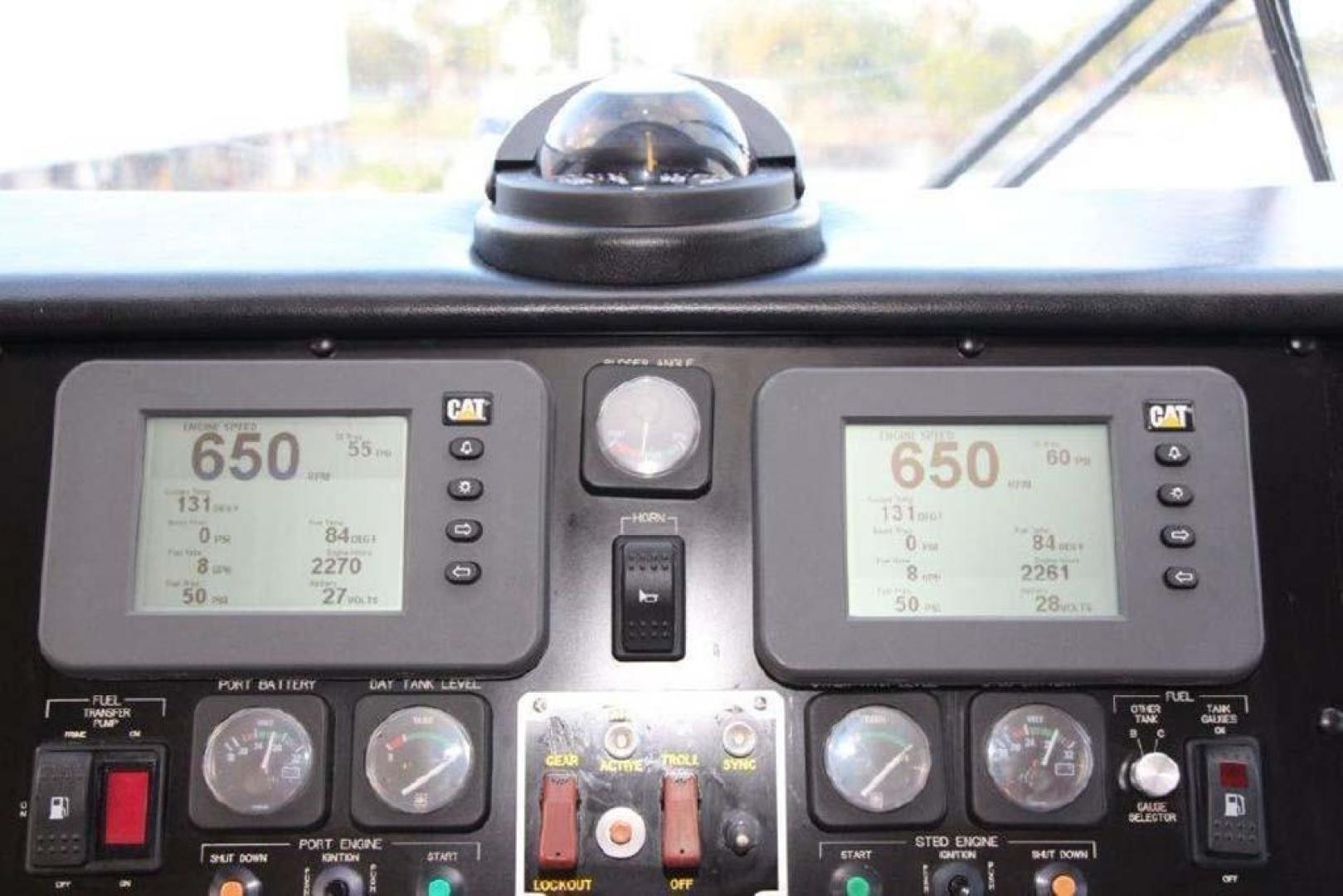 Hatteras-Enclosed Bridge 2002-El Bohemio Miami-Florida-United States-Electronics-369542 | Thumbnail