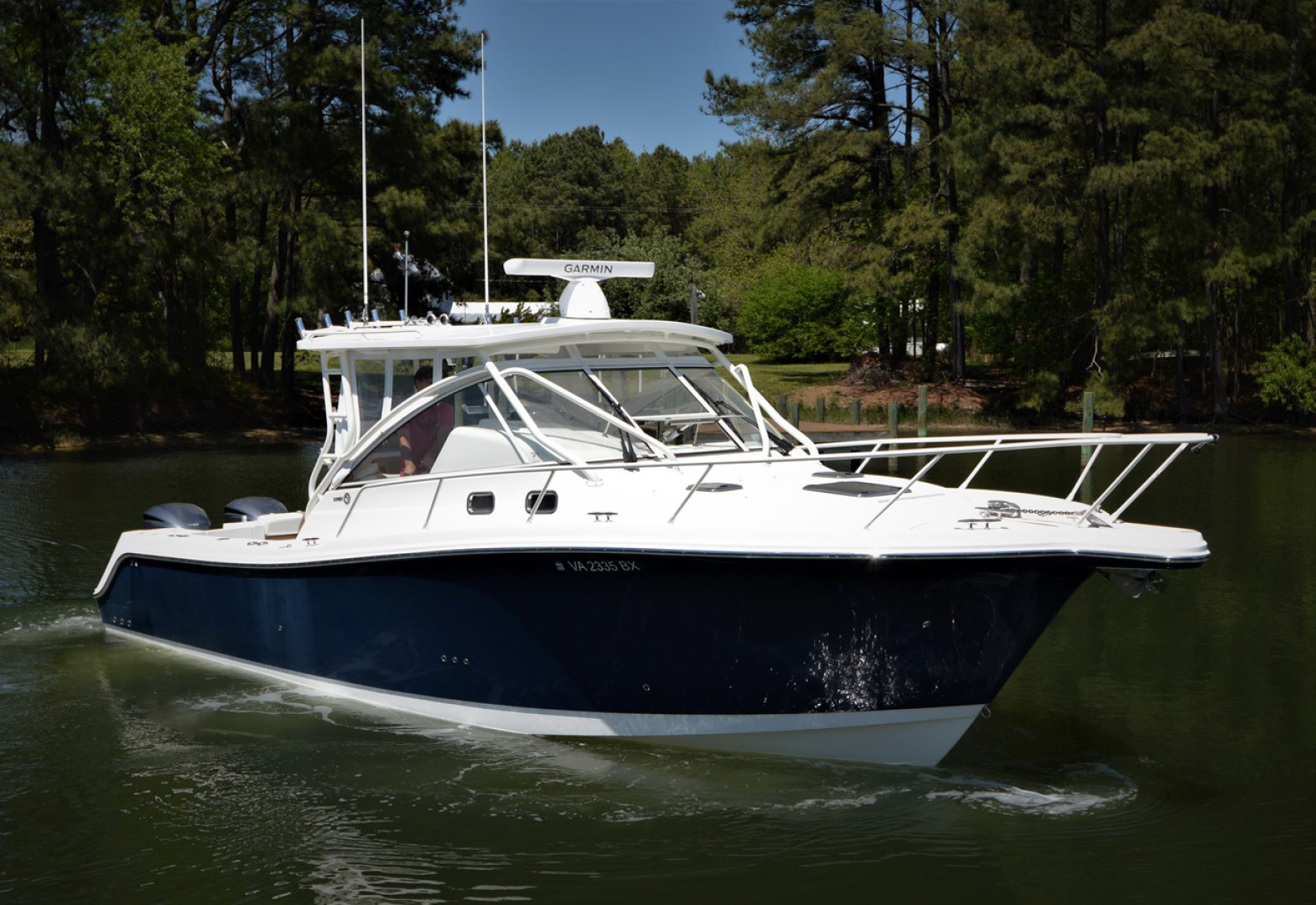 Picture Of: 33' Edgewater 335EX Express 2014 Yacht For Sale | 2 of 45