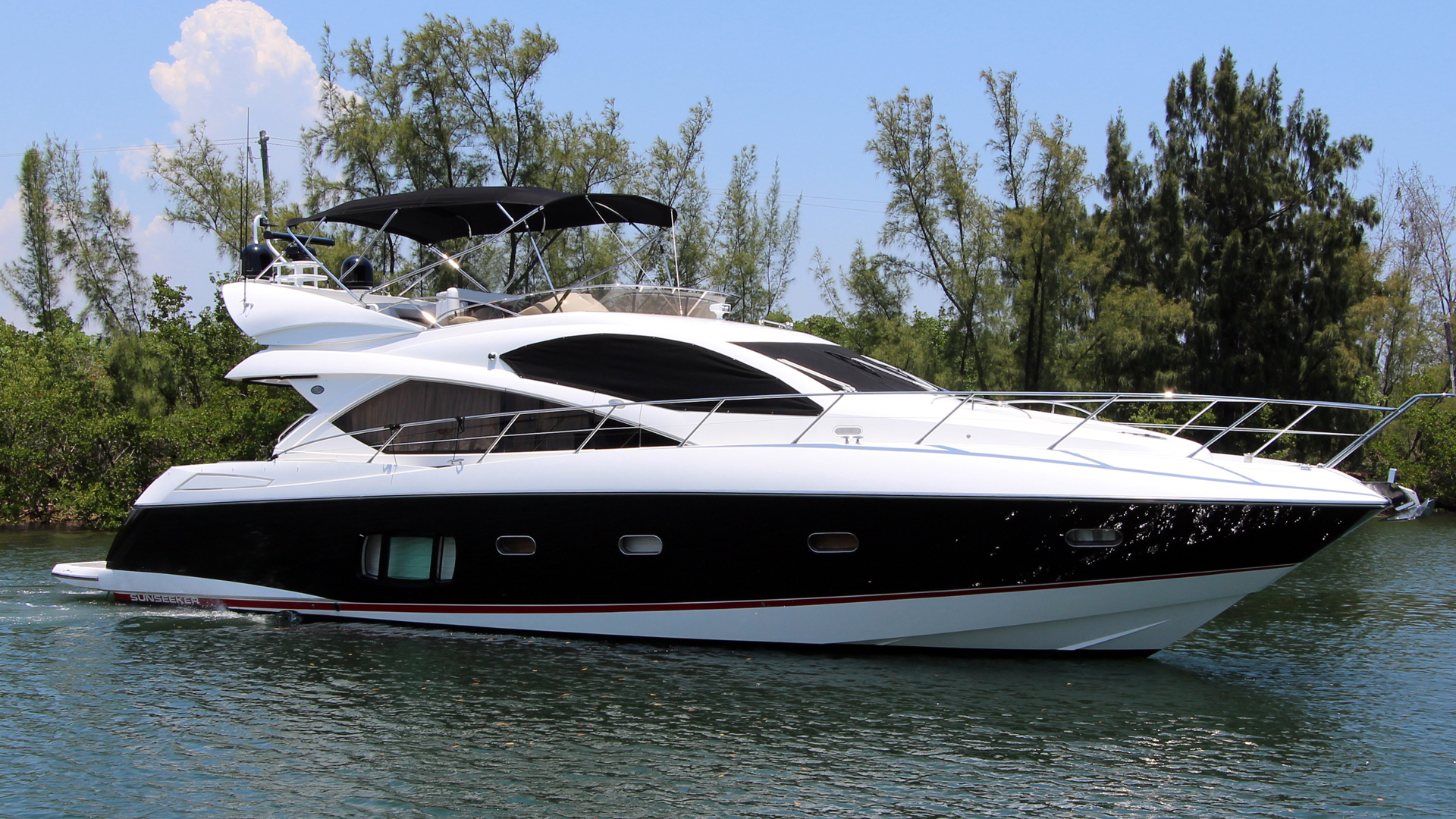 Picture Of: 60' Sunseeker Manhattan 60 2011 Yacht For Sale | 1 of 23