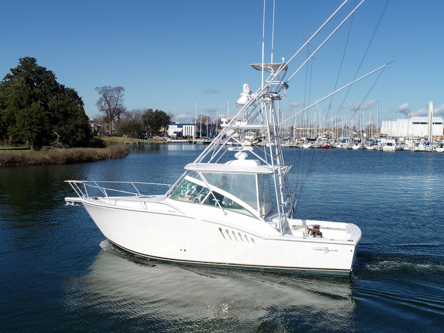 Moonstruck Bay is a Albemarle 33XF Yacht For Sale in Hampton--0
