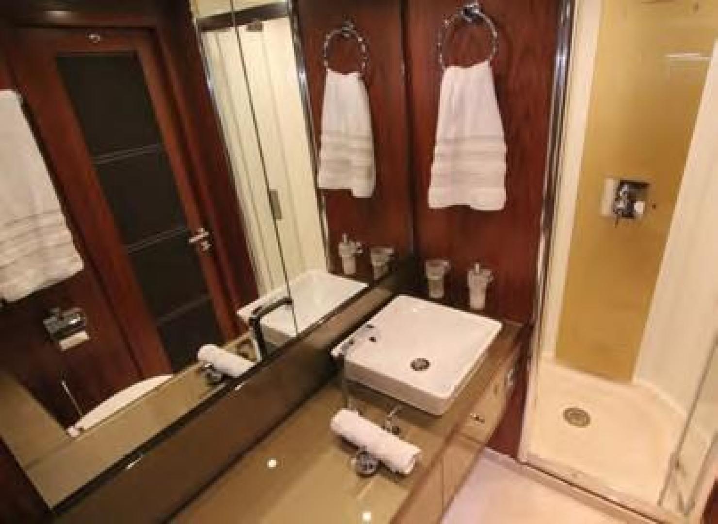 Sunseeker-Flybridge Motoryacht 2009-ANNABEL Mallorca-Spain-Guest Bath-902622 | Thumbnail