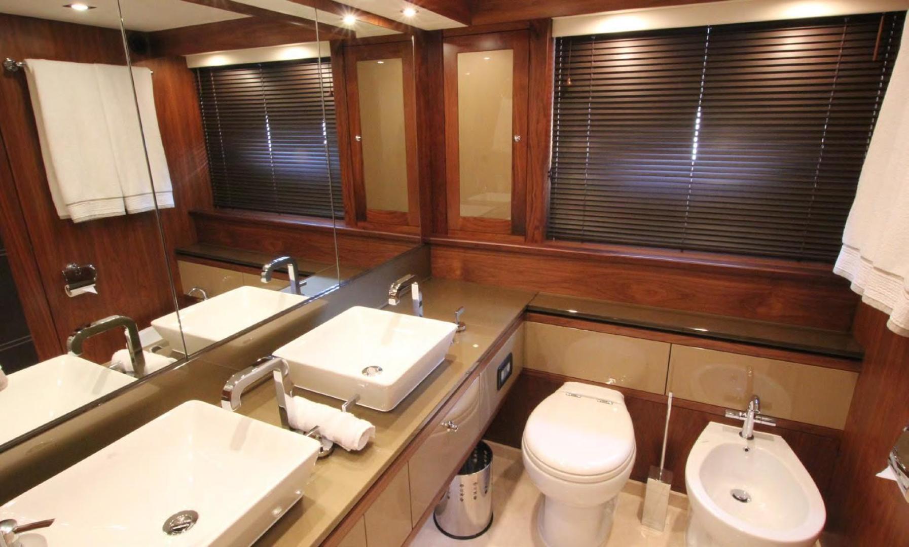 Sunseeker-Flybridge Motoryacht 2009-ANNABEL Mallorca-Spain-Master Bath-902618 | Thumbnail
