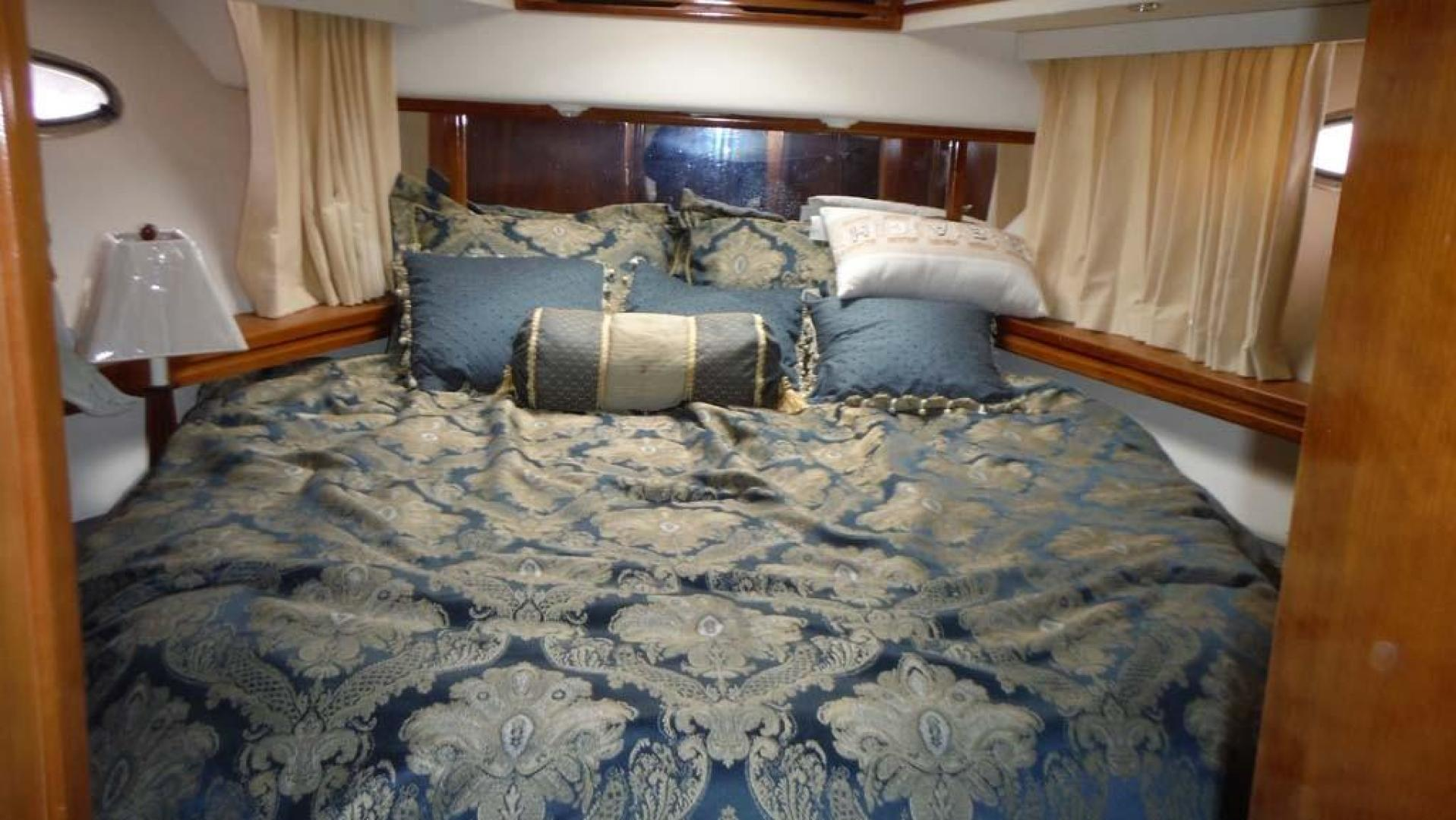 Carver-506 Aft Cabin Motor Yacht 2000-Country Boy Red Wing-Minnesota-United States-Guest Stateroom-919384 | Thumbnail
