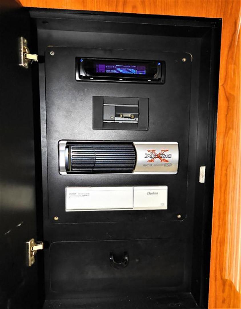 Sea-Ray-480-Sedan-Bridge-1999-Sky-Blue-Fort-Pierce-Florida-United-States-Entertainment-Storage-920100