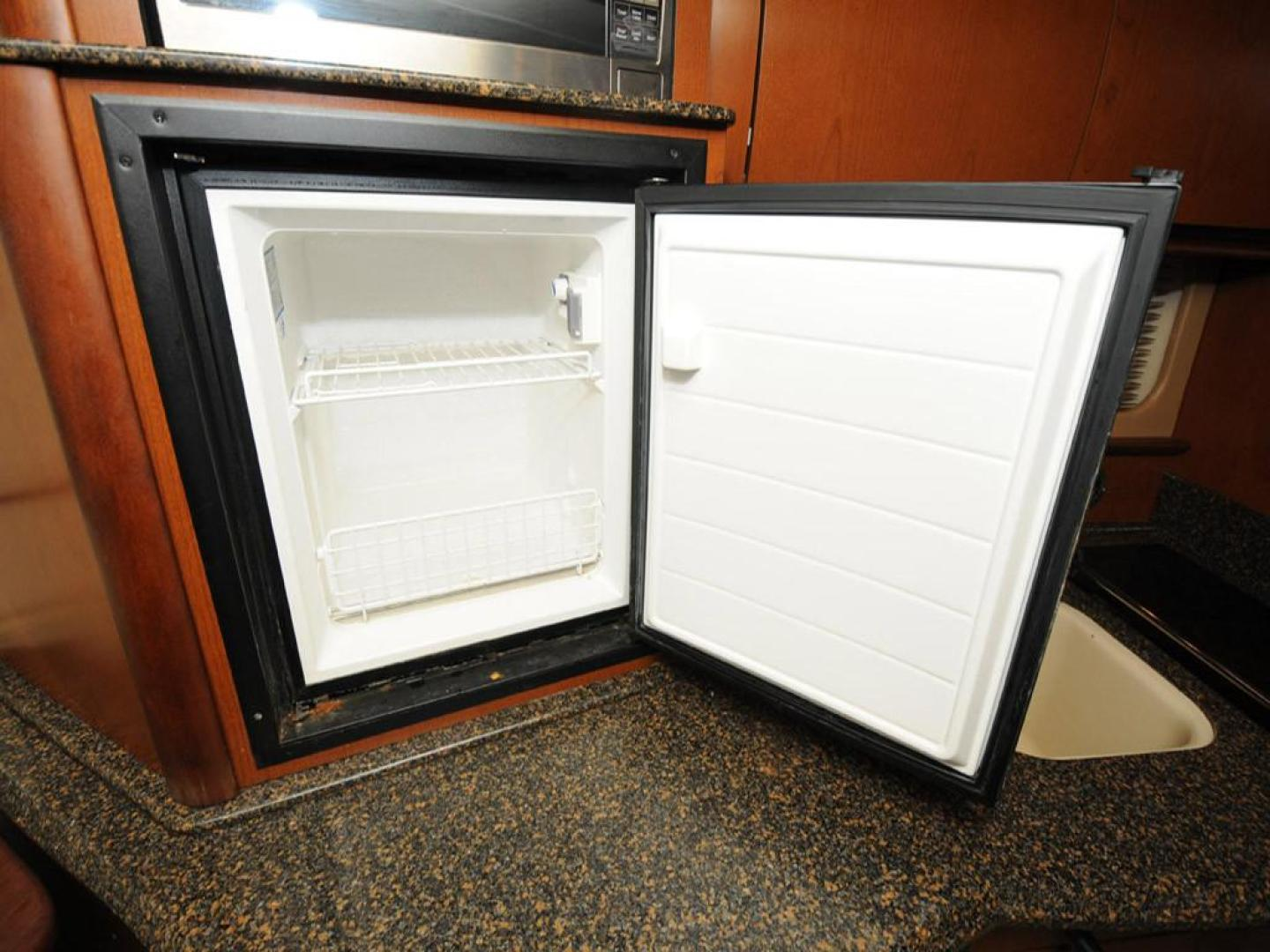 Sea-Ray-38-Sundancer-2007-El-Don-North-Beach-Maryland-United-States-Galley-Freezer-923255