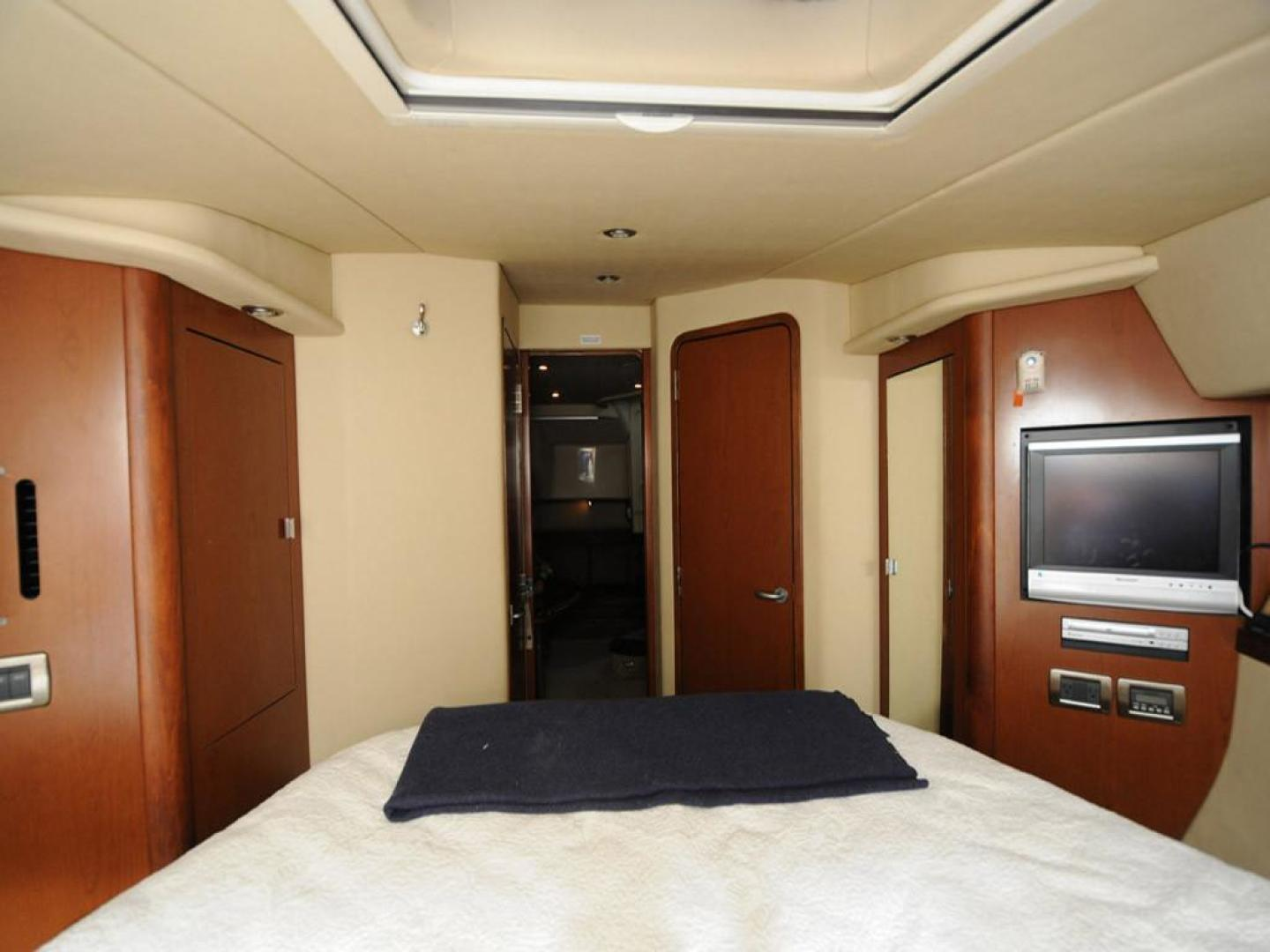 Sea Ray-38 Sundancer 2007-El Don North Beach-Maryland-United States-Master Stateroom Aft View-923260 | Thumbnail