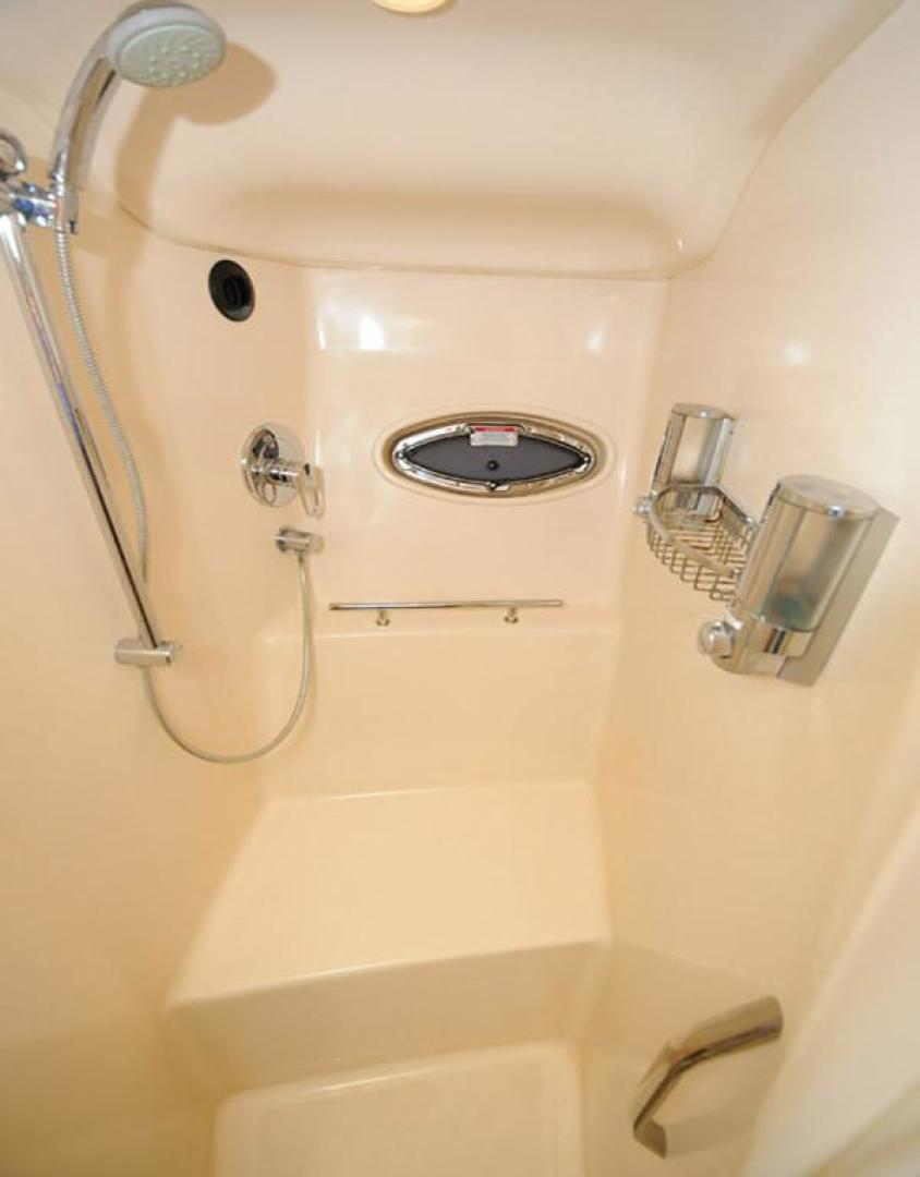 Sea Ray-38 Sundancer 2007-El Don North Beach-Maryland-United States-Head Separate Shower-923272 | Thumbnail