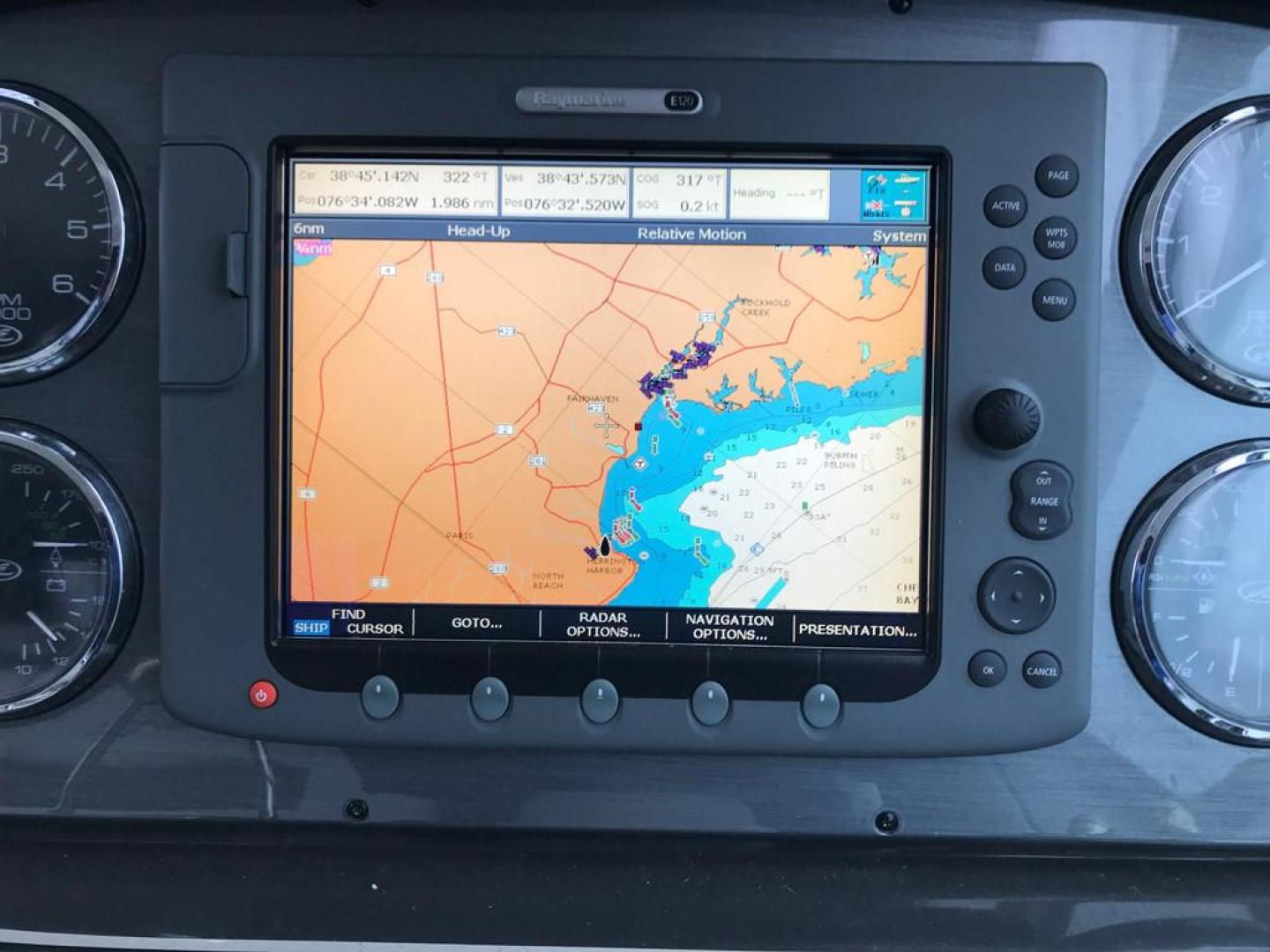 Sea-Ray-38-Sundancer-2007-El-Don-North-Beach-Maryland-United-States-Helm-Chartplotter-923281