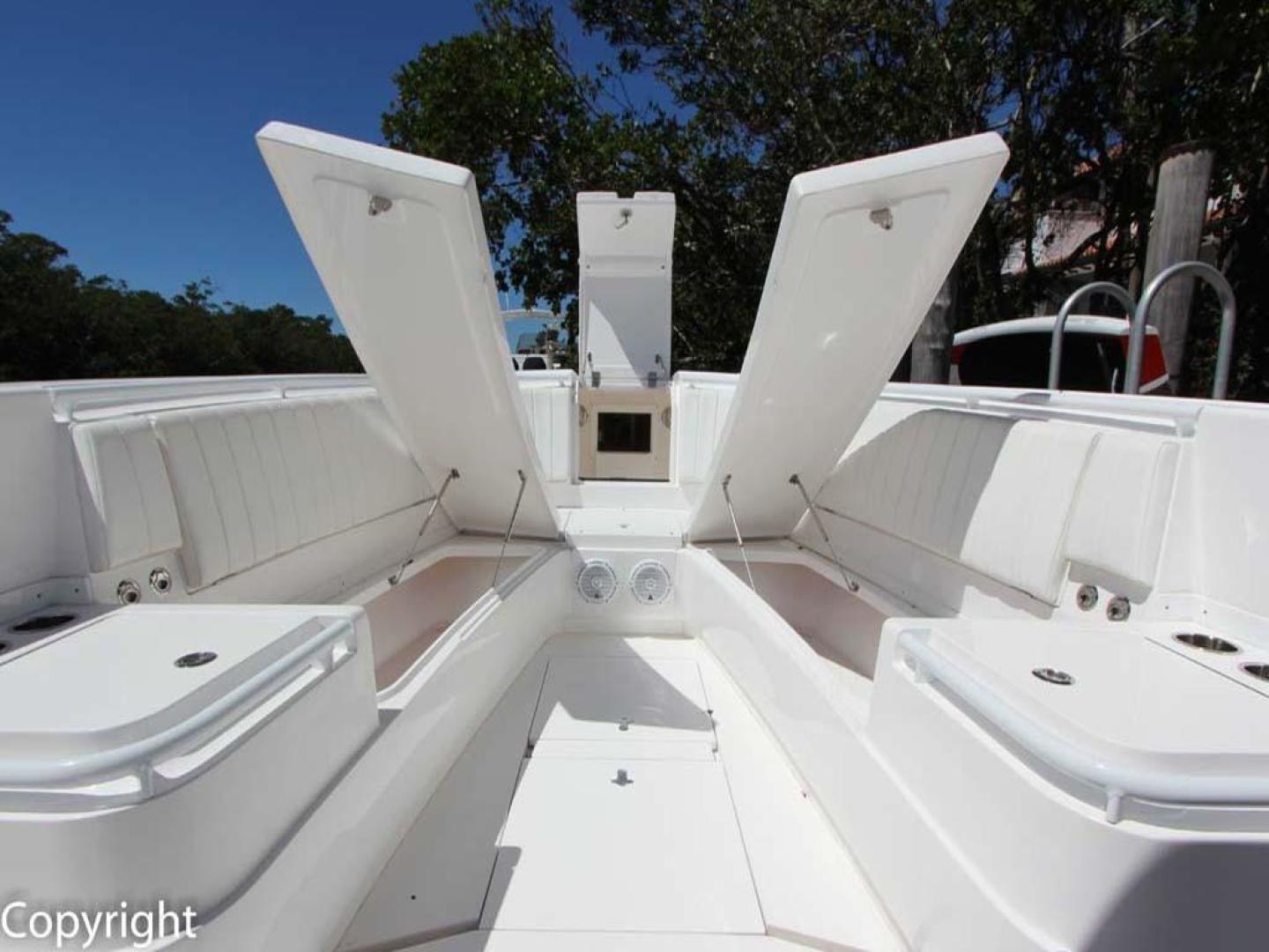Intrepid-375 Center Console 2017 -Coral Gables-Florida-United States-Forward Storage and Seating-918531 | Thumbnail