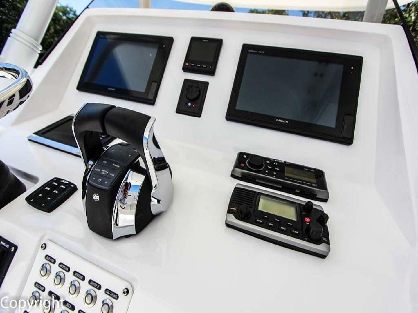 Intrepid-375 Center Console 2017 -Coral Gables-Florida-United States-Helm-918533 | Thumbnail